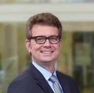 Dr. Arndt Selbach