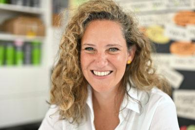 Dr. Alexandra von Winning