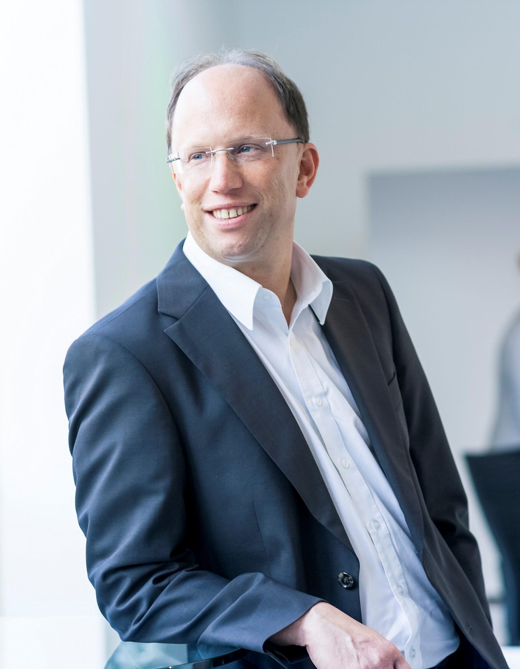 Dr. Peter Markert