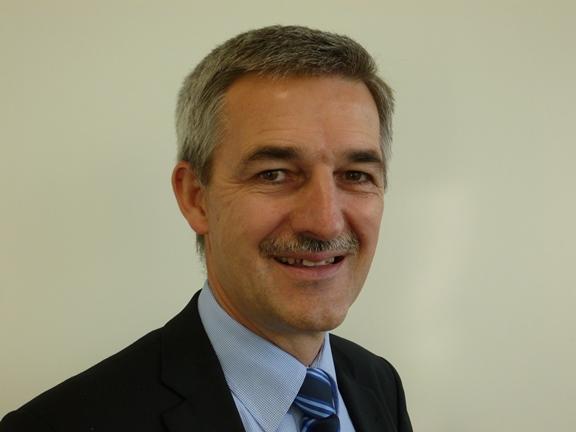 Dr. Hubert Humm