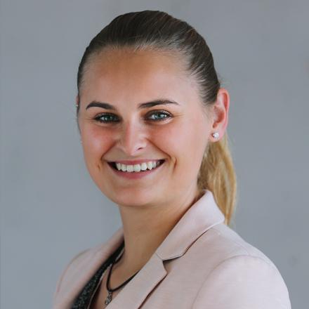 Saskia Lender